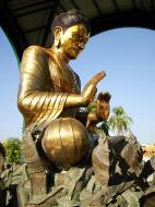 Asisbiz Yangon A Thi Tha Di Bronze Statue of Buddha Dec 2009 13