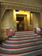 Asisbiz Yangon Botahtaung Pagoda Royal Palace sacred hair relic entrance 2010 01