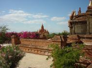 Asisbiz Pagan Dhamma ya zi ka Pagoda Dec 2000 04