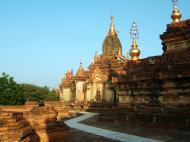 Asisbiz Pagan Dhamma ya zi ka Pagoda Nov 2004 06