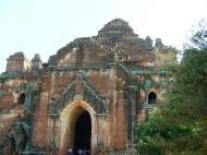 Asisbiz Dhammayangyi Panoramic views Bagan Myanmar Nov 2004 02