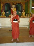 Asisbiz Hmawbi Monastery Ordination Ric and Ree Dec 2000 16