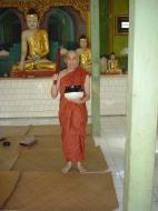 Asisbiz Hmawbi Monastery Ordination Ric and Ree Dec 2000 17