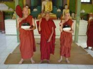 Asisbiz Hmawbi Monastery Ordination Ric and Ree Dec 2000 18