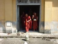 Asisbiz Hmawbi Monastery Ordination Ric and Ree Dec 2000 20