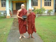 Asisbiz Hmawbi Ordination U Thuriya July 08 2001 12