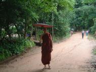Asisbiz Hmawbi U Thuriya expriencing a monks life Jul 2001 01