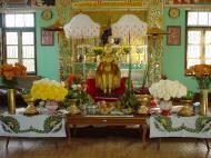 Asisbiz Hmawbi monastery Buddhas Dec 2000 01