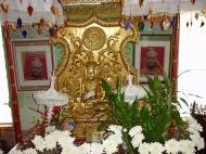 Asisbiz Hmawbi monastery Buddhas Dec 2000 06
