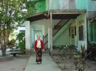 Asisbiz Hmawbi monastery grounds Dec 2000 04