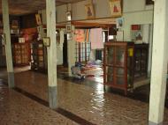 Asisbiz Hmawbi monastery grounds Dec 2000 07