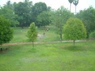 Asisbiz Hmawbi monastery grounds Jun 2001 01