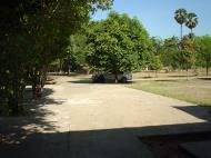 Asisbiz Hmawbi monastery grounds Jun 2001 03