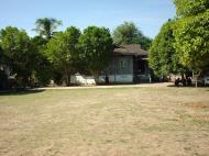 Asisbiz Hmawbi monastery grounds Jun 2001 04