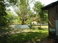 Asisbiz Hmawbi monastery grounds Jun 2001 06