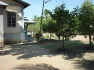 Asisbiz Hmawbi monastery grounds Jun 2001 10