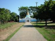 Asisbiz Hmawbi monastery grounds pagodas Dec 2000 01