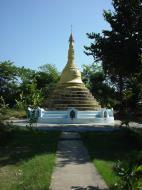 Asisbiz Hmawbi monastery grounds pagodas Dec 2000 04