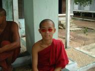 Asisbiz Hmawbi monastery main monks Jul 2001 11