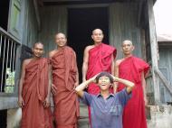 Asisbiz Hmawbi monastery main monks Jul 2001 16