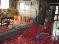 Asisbiz Hmawbi monastery monks Dec 2000 09