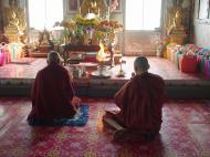 Asisbiz Hmawbi monastery monks Dec 2000 11