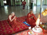 Asisbiz Hmawbi monastery monks Dec 2000 12