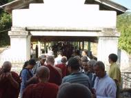 Asisbiz Hmawbi monastery monks Dec 2000 20