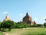 Asisbiz Bagan Htilominlo Temple Nandaungmya Myanmar Nov 2004 02