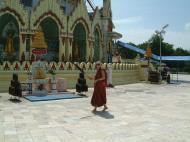 Asisbiz Kabar Aye Pagoda Peace Pagoda Dec 2000 00