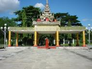 Asisbiz Kabar Aye Pagoda Peace Pagoda Dec 2000 01
