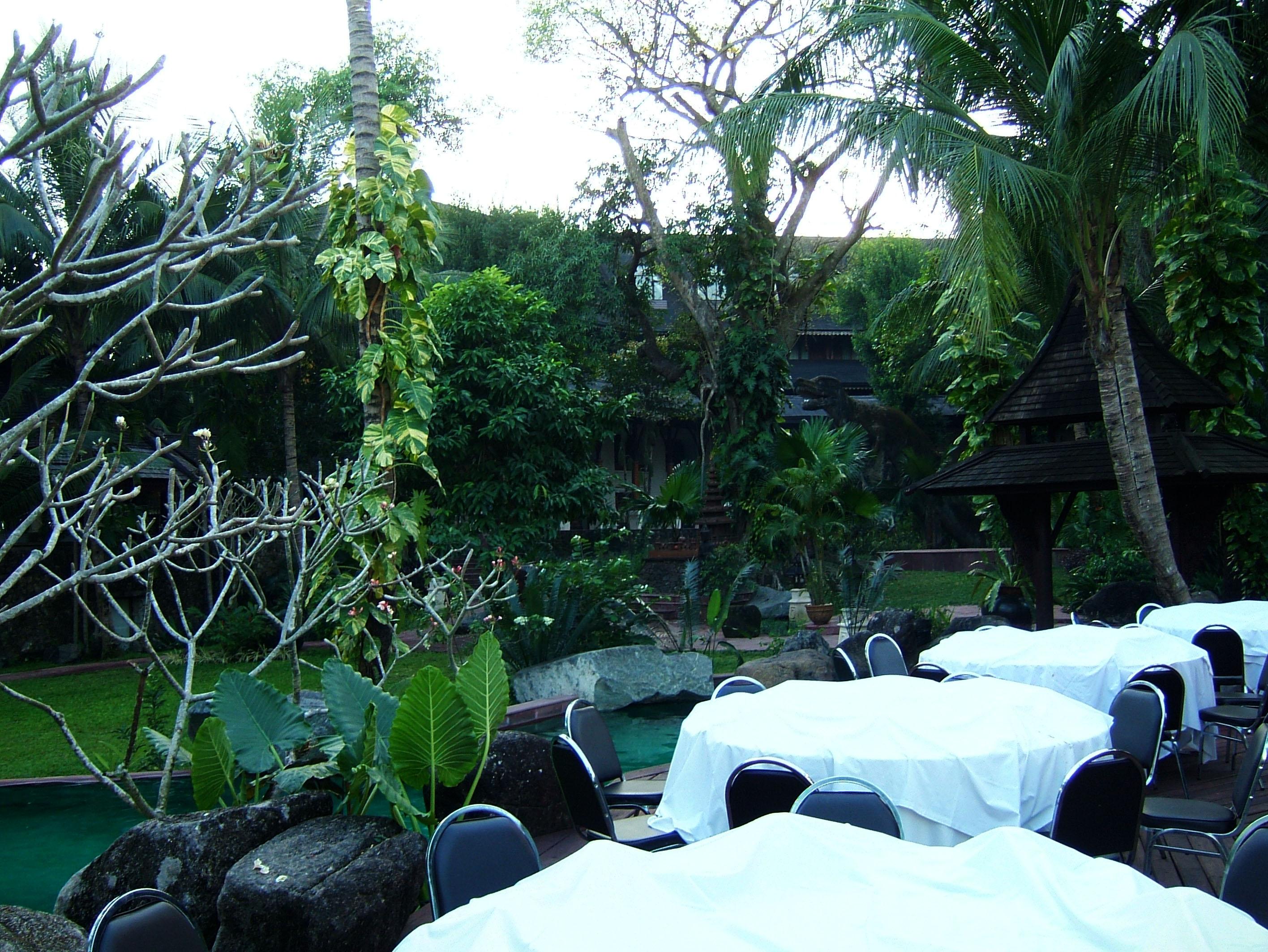 Yangon Kandawgyi Palace Hotel swimming pool  Nov 2004 01