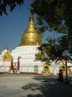 Asisbiz Mandalay Kuthodaw Pagoda main stupa Dec 2000 02