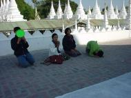 Asisbiz Mandalay Kuthodaw Pagoda worlds largest book Dec 2000 02
