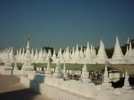 Asisbiz Mandalay Kuthodaw Pagoda worlds largest book Dec 2000 04