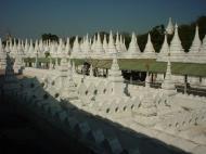 Asisbiz Mandalay Kuthodaw Pagoda worlds largest book Dec 2000 05