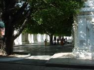 Asisbiz Mandalay Kuthodaw Pagoda worlds largest book Dec 2000 09
