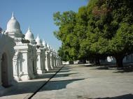 Asisbiz Mandalay Kuthodaw Pagoda worlds largest book Dec 2000 12