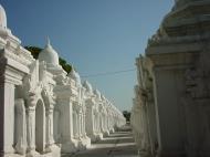 Asisbiz Mandalay Kuthodaw Pagoda worlds largest book Dec 2000 15