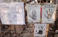 Asisbiz Thanlyin Kyaik Kauk pagoda palmistry Dec 2009 01