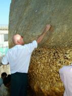 Asisbiz Kyaiktiyo Pagoda paying homage to the Buddha with gold leaf 01