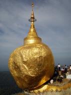 Asisbiz Myanmar Mon State Kyaiktiyo Pagoda Golden Rock 2009 04