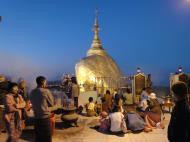 Asisbiz Myanmar Mon State Kyaiktiyo Pagoda Golden Rock dawn 2009 06