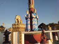 Asisbiz Myanmar Mon State Kyaiktiyo pagoda court yard guardians Dec 2009 09