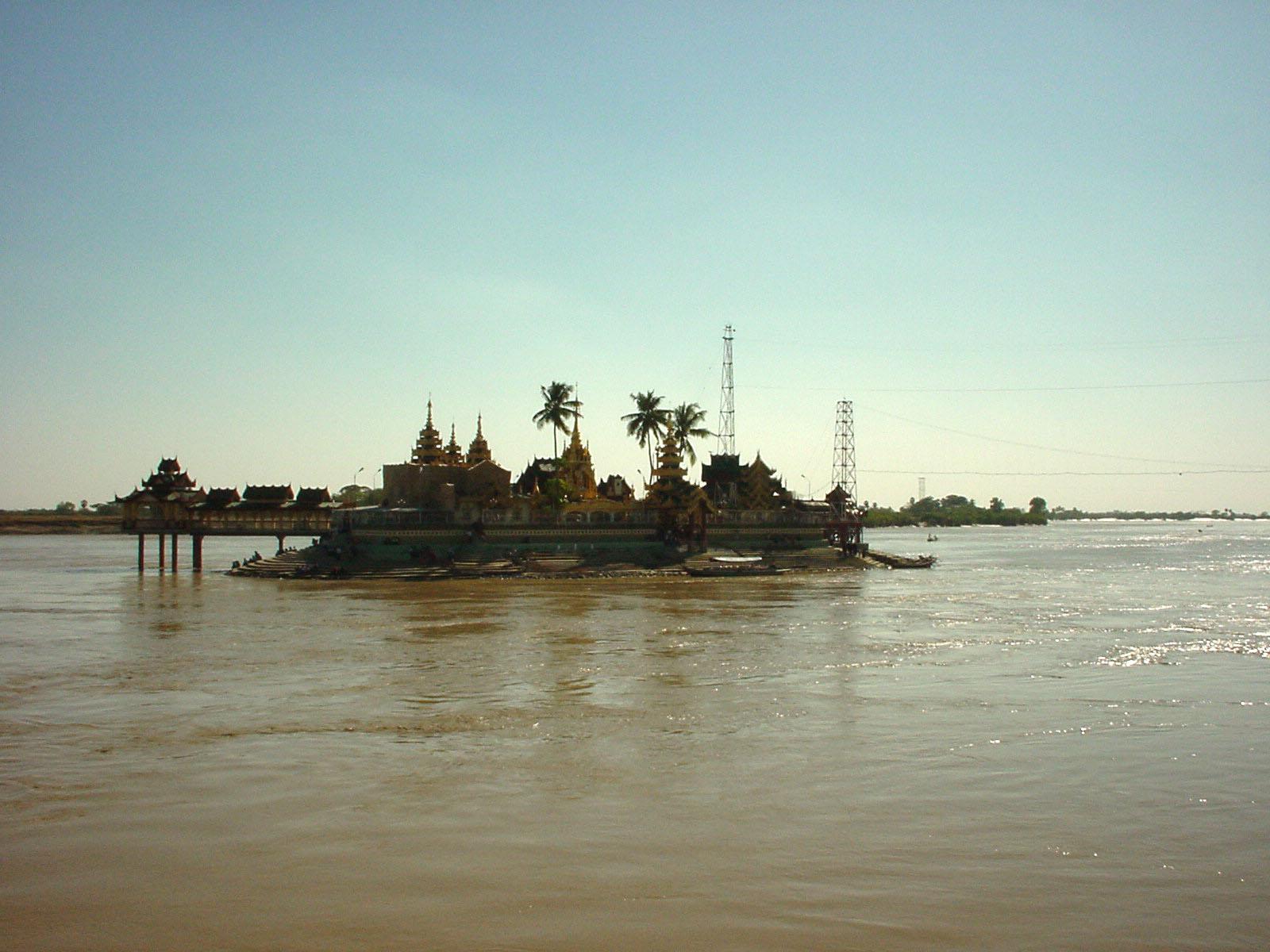 Thanlyin Kyauktan Ye Le Pagoda Island crossing Dec 2000 01