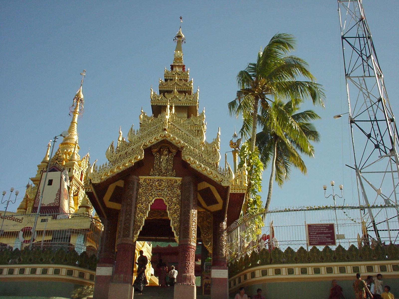 Thanlyin Kyauktan Ye Le Pagoda Island crossing Dec 2000 05