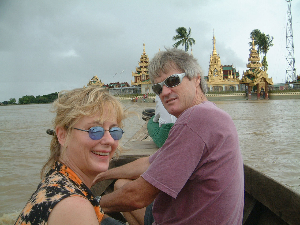 Thanlyin Kyauktan Ye Le Pagoda Island crossing Jul 2001 04