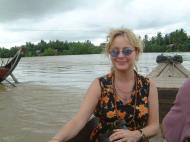 Asisbiz Thanlyin Kyauktan Ye Le Pagoda Island crossing Jul 2001 03