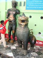 Asisbiz Maha Muni Shrine bronze lion Nov 2004 01
