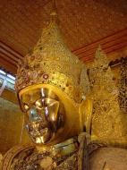 Asisbiz Mahamuni Buddha Maha Myat Muni Paya Dec 2000 04